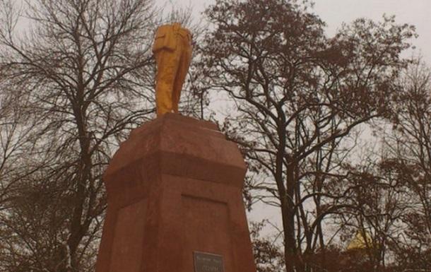 У Ленина украли голову