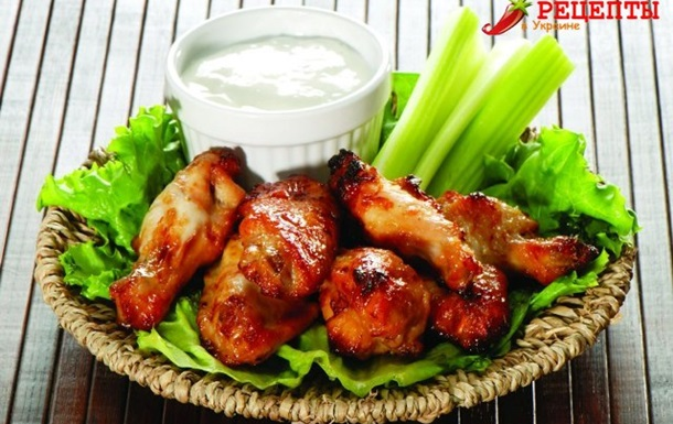Крылья куриные в медово — томатном соусе