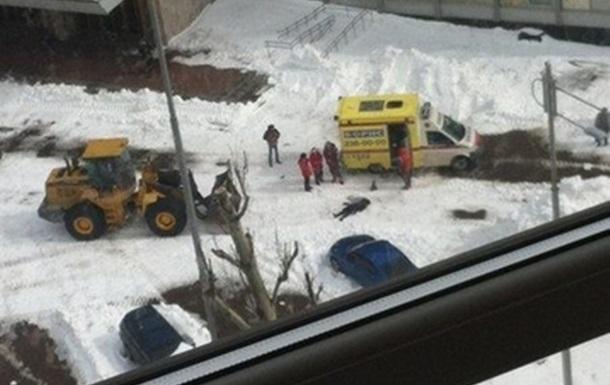Снігоприбиральний трактор розчавив киянку