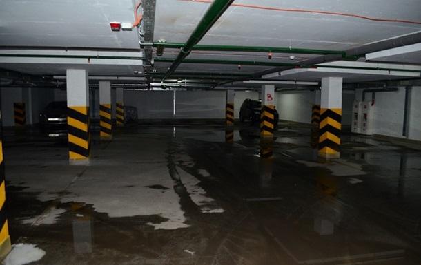 Найбільший підземний паркінг у Києві – халтура!