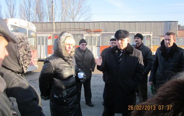 Забастовали рабочие Алчевского троллейбусного депо.