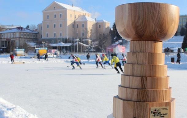 У Тернополі стартували змагання з хокею на озері  Ternopil Hockey Classic