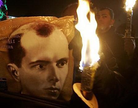 «Хайль, Бандера!», - ВО «Свобода» замахнулась на полную власть в Украине.