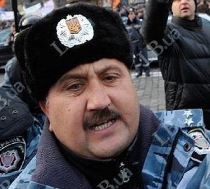 Встановлено ПІБ міліціонера, що працює на бандитів з Партії регіонів