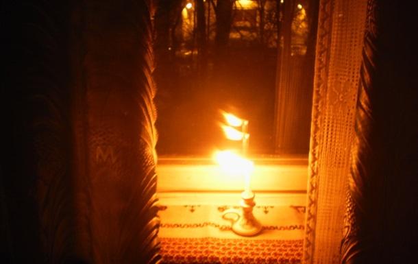 Свеча горела на окне, свеча горела...