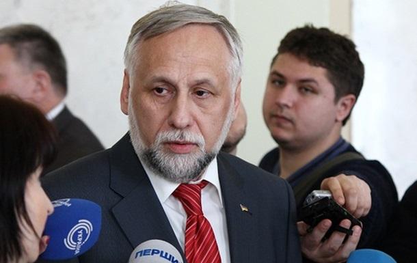 Янукович повинен внести подання в Парламент на звільнення всього складу ЦВК