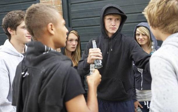 Подростковый бандитизм или кому нужны подростки?