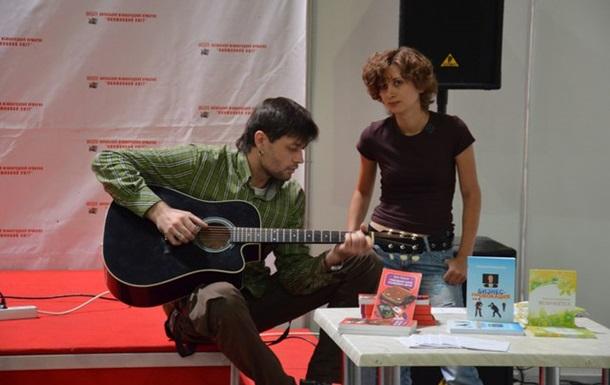 Антоніна Спірідончева та Денис Кожухов-Суховій: «бунтарський» поетичний діалог