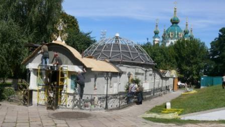 Біля підмурків Десятинної церкви виявлено будівництво (ФОТО)