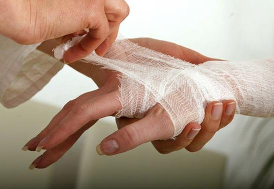 Как правильно одеть повязку при травме
