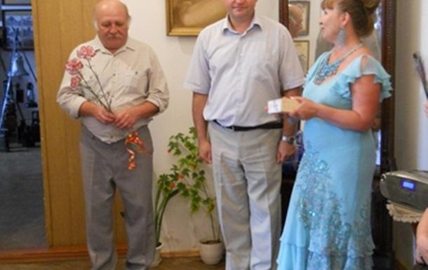 Ігор Зубко подарував музею історії Козятина фотоапарат
