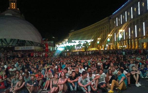 ЄВРО. Київ. День шістнадцятий. Файєр у фан-зоні (фото+відео)