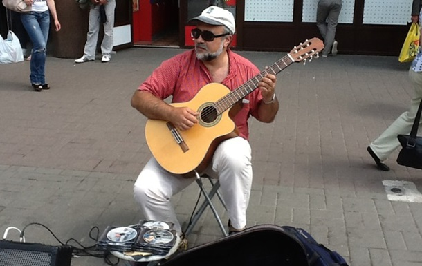 Український режим навіть вуличних музикантів вважає своїми ворогами