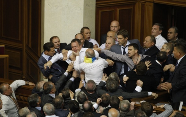 У парламентської більшості немає голосів за мовний законопроект