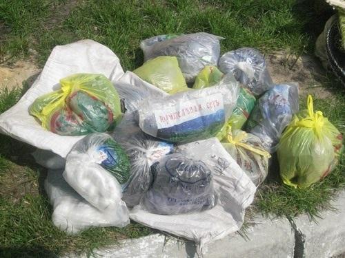 7 мешков браконьерских сетей изъяли у продавцов на киевском рынке «Рыбалка»
