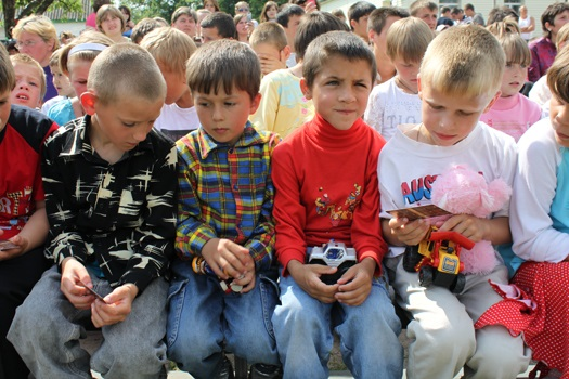 Чужие украинские дети!