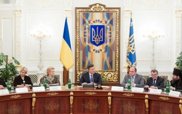 Президент Украины берет церкви в свою твердую руку