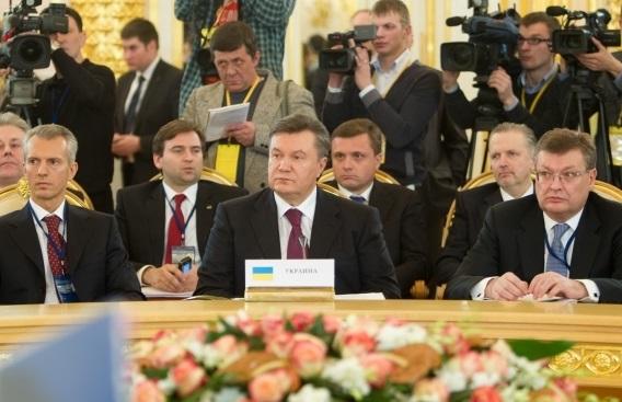 Русский язык от Януковича. Тройная игра