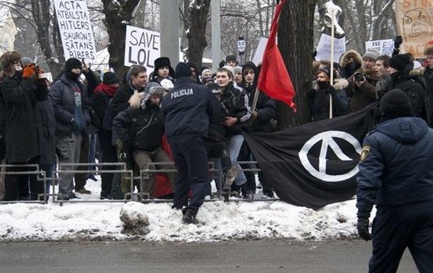 Чёрное знамя над Ригой: Латвия бастует против АСТА - митинг глазами очевидца.