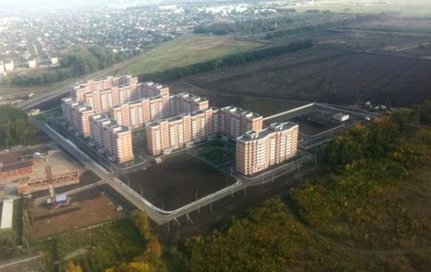 Молодые летчики на Кубани получают ключи от квартиры