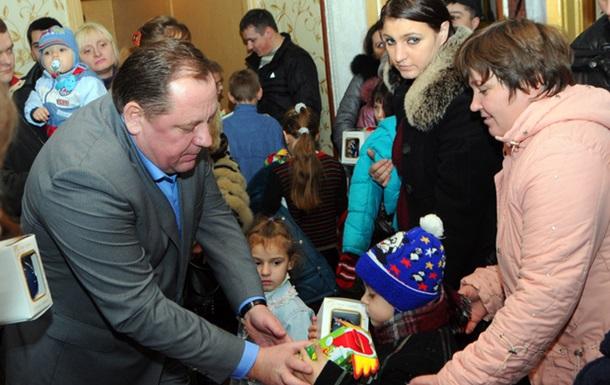 Петро Мельник привітав дітей з Днем Святого Миколая