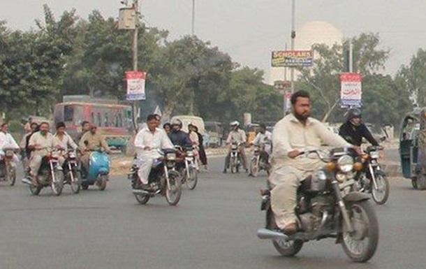 Путешествие Азиатский Триатлон. Первый этап. День Первый Карачи. Часть 1