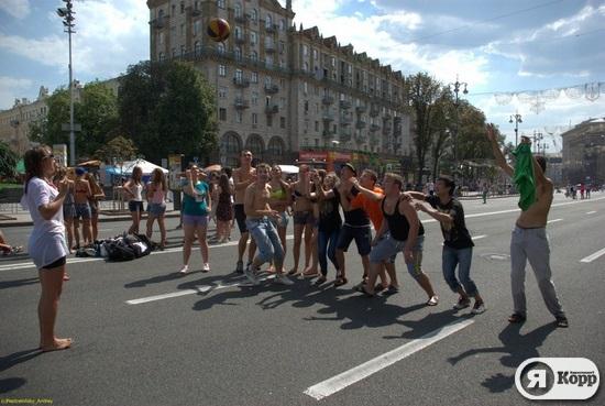 Новый уличный DESTROY! Флешмоб в Киеве