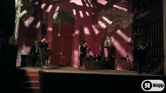 В Киеве состоялась премьера спектакля  Почему привидения?