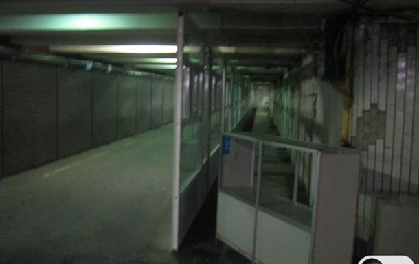 В подземке на Контрактовой устанавливают новые ларьки