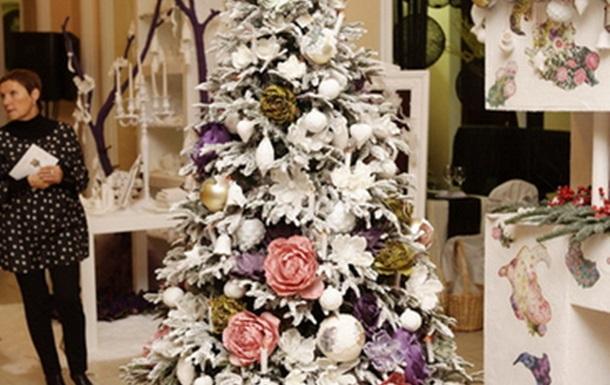 В Киеве прошла выставка новогоднего декора LoraShen Christmas Emotions 2013