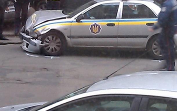 На Подоле сотрудники ГАИ врезались в Tayota