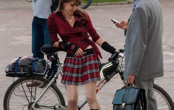 Велодевочки на велопроменаде. Репортаж из Харькова