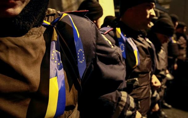 В Киев принудительно свозят госслужащих на митинги против евроинтеграции - СМИ
