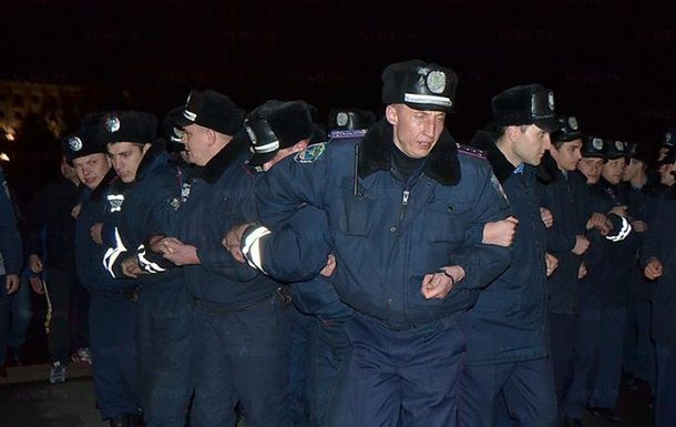 Милиция снесла палатки на Евромайдане в Николаеве, есть пострадавшие - СМИ