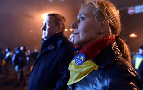 Число участников Евромайдана в Киеве растет