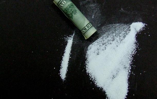 Чиновник Мининфраструктуры задержан по подозрению в контрабанде кокаина в банках из-под какао