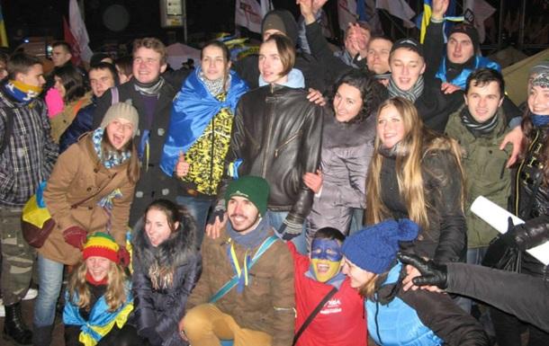 Депутат: ГАИ не пускает более десятка автобусов львовян, следующих на Евромайдан в столице