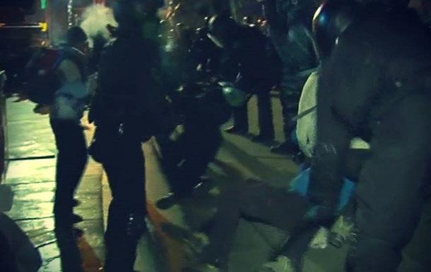 После разгона Евромайдана за медпомощью обратились 35 человек, семеро из которых госпитализированы - главврач  скорой