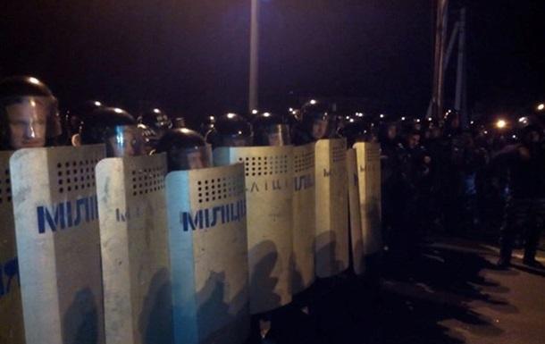 Суд запретил проведение акций под резиденцией Януковича