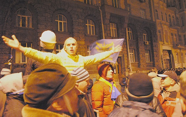 Штаб оппозиции призывает студентов ко всеобщей забастовке