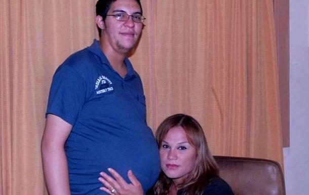 В Аргентине женились беременный мужчина и его подруга-транссексуал