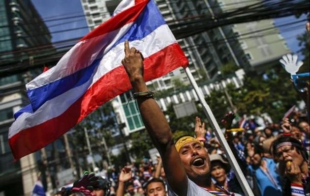 Таиландская оппозиция заявила о победе над властями