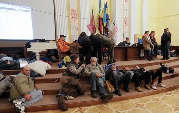 Попов рассказал, когда вернется в здание КГГА
