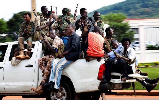 Число жертв ожесточенных столкновений в беднейшей стране мира возросло