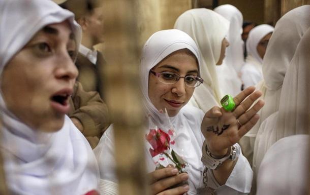 Египет: суд выпустил на свободу сторонниц Мурси