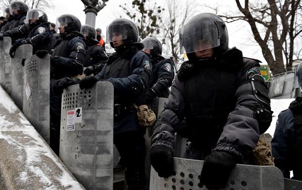 Милиция начала штурм блокпостов митингующих в центре Киева - оппозиция