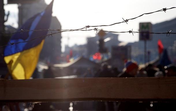 МВД: Правоохранители начали оттеснять митингующих с проезжих частей на Институтской и Грушевского
