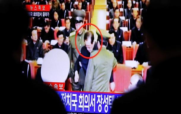 СМИ: Еще до официального объявления об отставке дядя Ким Чен Уна был казнен
