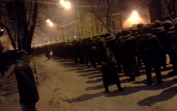 Силовики разбирают баррикады в центре Киева, обстановка на Майдане остается спокойной