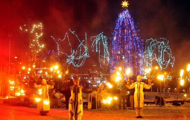Во Львове центральную новогоднюю елку украсят символами Евросоюза
